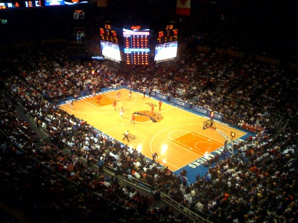 Knicks_playing_at_Madison_Square_Garden